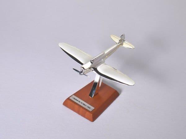 Atlas HB07 1/200 Scale Silver Aeroplane 1/200 Heinkel He 70 Blitz - 1932