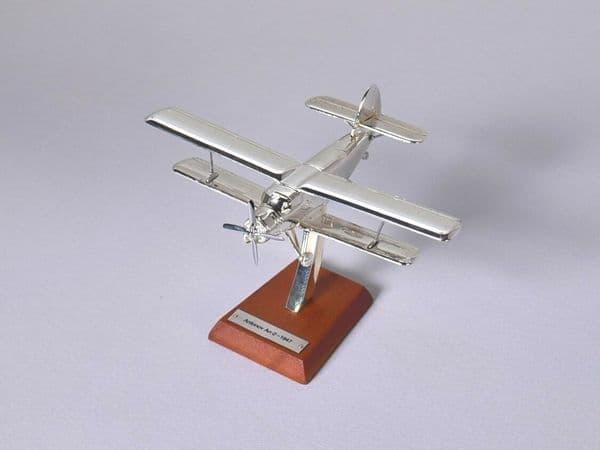 Atlas HB08 1/200 Scale Silver Aeroplane Lockheed Antonov An-2 - 1947