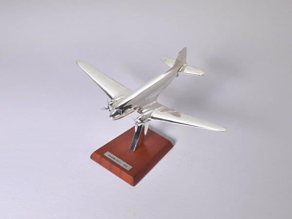 Atlas HB10 1/200 Scale Silver Aeroplane 1/200 MacDonald Douglas DC-3 - 1935