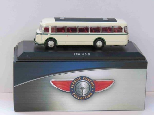 Atlas JE08 1/76 Scale Classic Coaches IFA H6 B Coach NEW STOCK