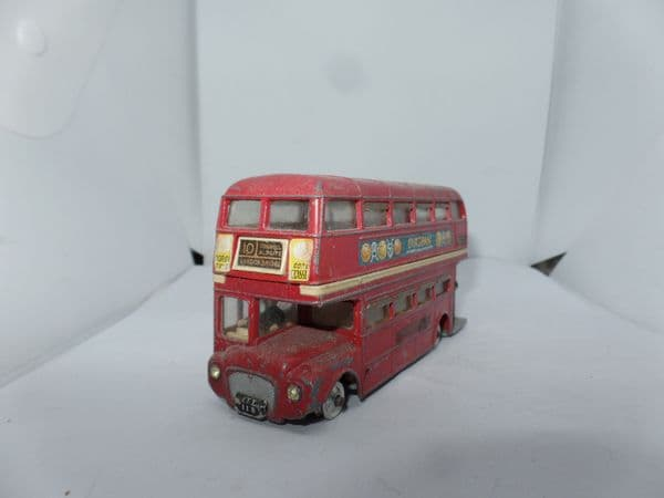 Corgi 468  1/64 Scale Routemaster Bus London Transport  10 London Bridge Outspan UB Fault