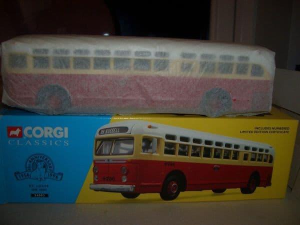 Corgi 54003 USA General Motors GM4505 Coach Bus St Louis