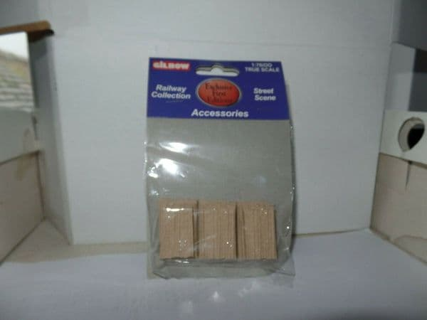 EFE 99603 Gilbow True Scale 1/76 OO Scale Stacks of Timber - set of 3