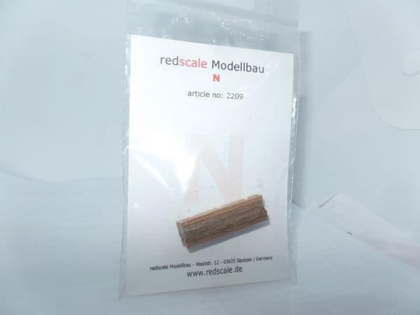 EFE Base BT Red Scale 2209  True 1/148  Scale N Gauge 15 x Wood Beams Stacked