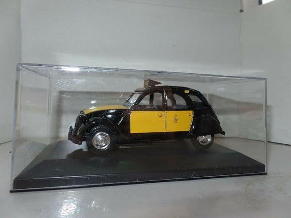 GD10 1/32 Scale Citroen 2CV 2 CV Taxi Barcelona Spain MIMB