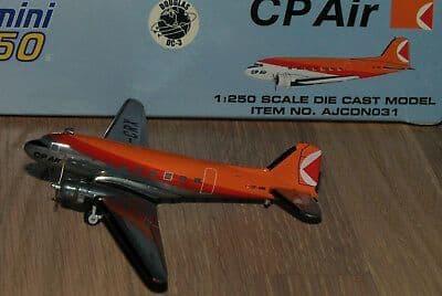 Dragon Wings 52007 1/200 Scale Avro Vulcan B.2 617 Sq RAF  Scampton