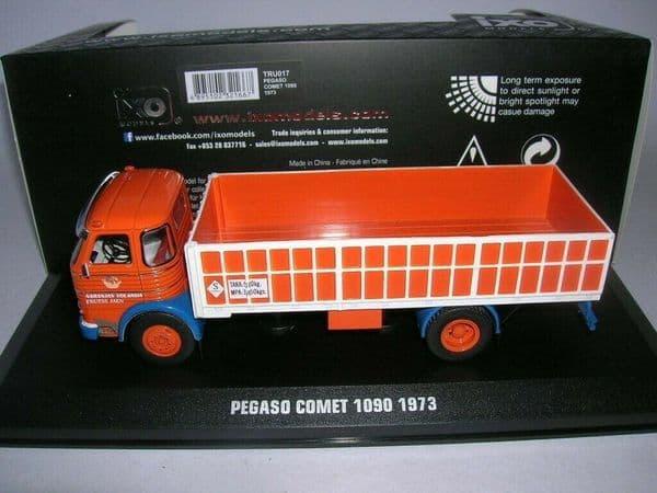 IXO TRU017 1/43 SCALE Pegaso Comet Frutas Jaen Fruit Truck Orange White 1973