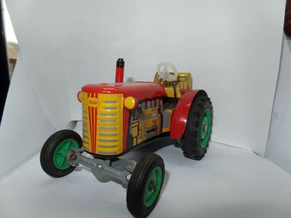 KOVAP TINPLATE CLOCKWORK ZETOR TRACTOR & TRAILER Yellow & Red Green Wheels Gears