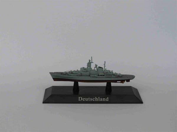 KZ47 Atlas DeAgostini 1/1250 Scale German DEUTSCHLAND Training ship 1960