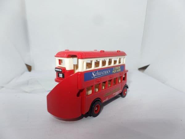 Lledo DG015041 AEC Regent Bus London Transport Schweppes 88 Shepherds Bush UB