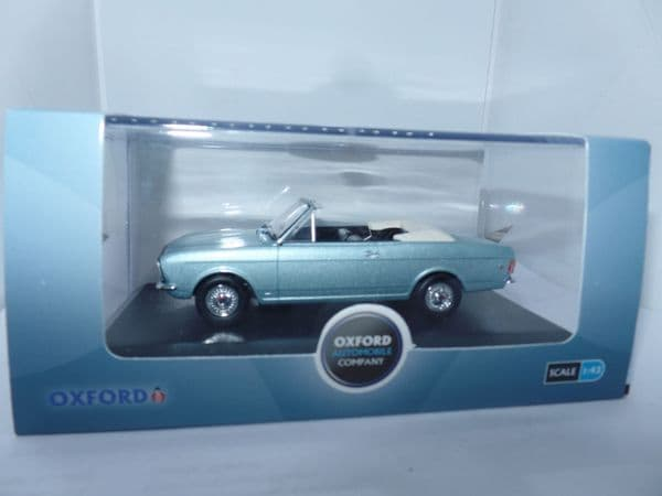 Oxford 43CCC001B CCC001B 1/43 Ford Cortina MkII Crayford Convertible Roof Down