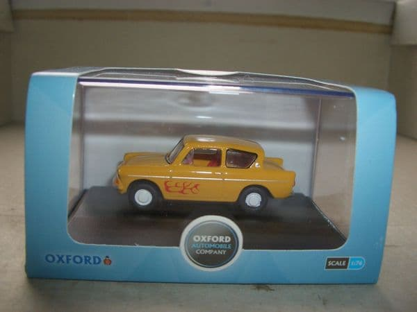 Oxford 76105008 105008  1/76 OO Scale  Ford Anglia Yellow The Young Ones Vyvyan