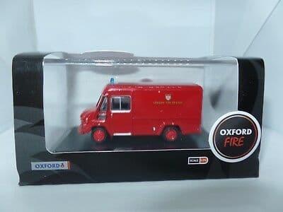 Oxford 76CWT003 CWT003 1/76 OO  Commer Walk Thru London Fire Brigade