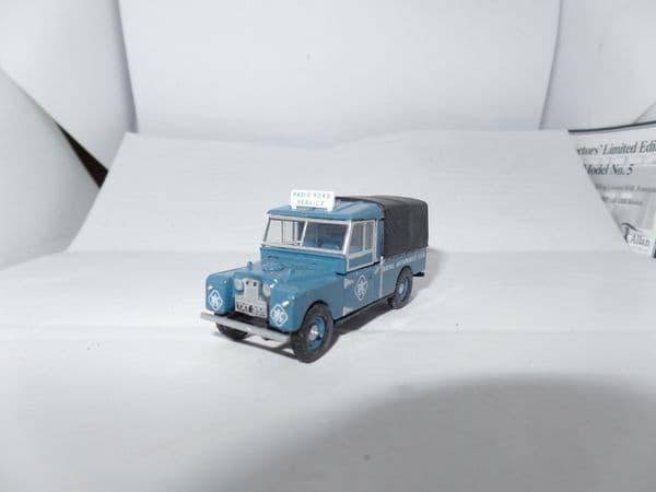 Oxford 76LAN1109004 LAN1109004 1/76 OO RAC Blue Land Rover 109 Canvas Back