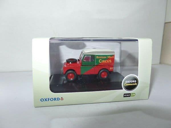 Oxford 76LAN188017 LAN188017 1/76 OO Land Rover SWB 88in Bertram Mills Circus