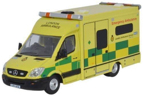 Oxford 76MA002 MA002 1/76 OO Mercedes Emergency Ambulance  London Service