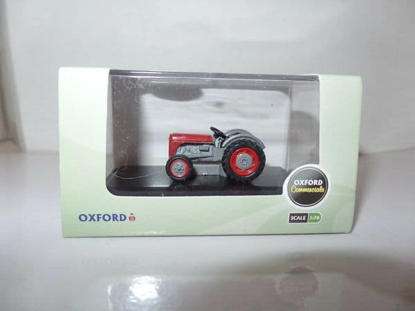 Oxford 76TEA002 TEA002 1/76 OO Scale Ferguson Fergie Tractor Red