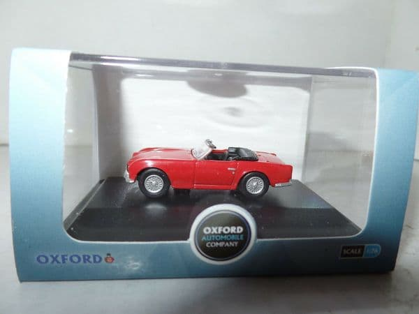 Oxford 76TR4001 TR4001 1/76 OO Scale Triumph TR4 Signal Red Open