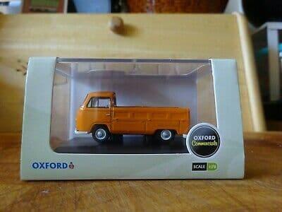 Oxford 76VW014 VW014 1/76 OO Scale Volkswagen VW Transporter T2  Pick Up - Signal Orange