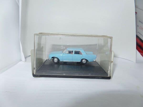 Oxford 76ZEP002 ZEP002 1/76 OO Scale Ford Zephyr Pale Blue