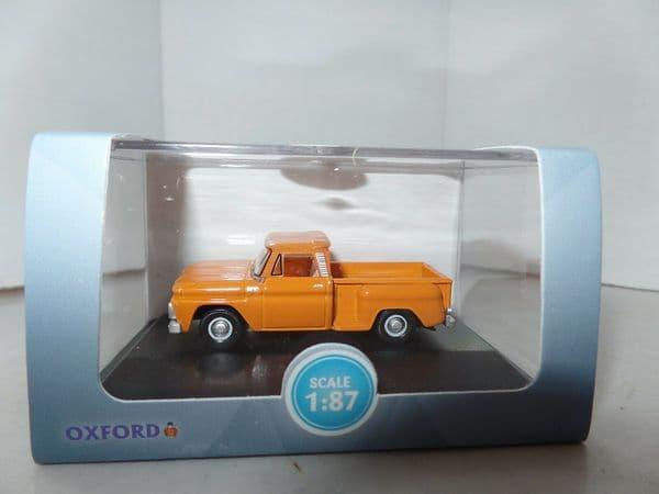 Oxford 87CP65002 CP65002 1/87 HO Scale Chevrolet Stepside Pick Up 1965 Orange