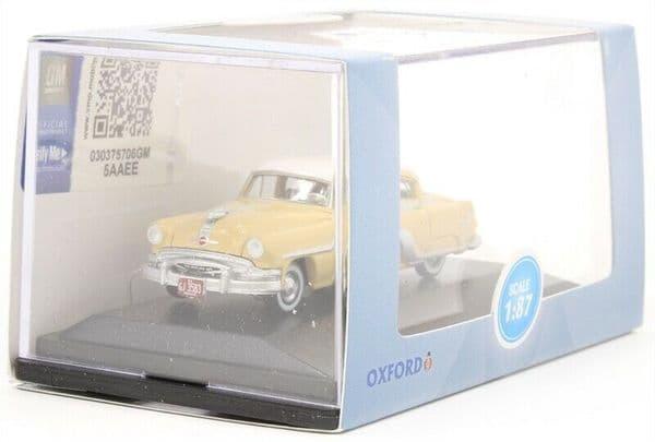 Oxford 87PC54002 PC54002 1/87 HO Scale Pontiac Chieftain 4 Door 1954 Winter White Yellow