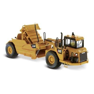 DiecastMasters Cat® 613G Wheel Tractor-Scraper