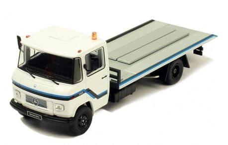 IXO Mercedes Benz L608 D 1980 Recovery Truck (1:43)