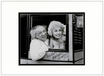 Barbara Windsor Autograph Photo