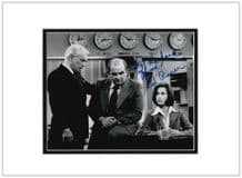 Ed Asner Autograph Signed Photo - Lou Grant