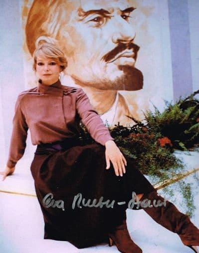 Eva Rueber-Staier Autograph Signed Photo