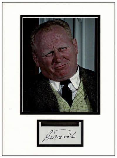 Gert Frobe Autograph Signed - Goldfinger