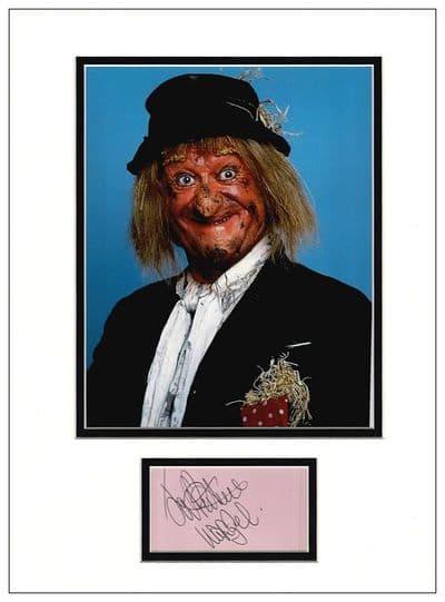 Jon Pertwee Autograph Display - Worzel Gummidge