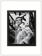 Lee Majors Autograph Signed Photo - Six Million Dollar Man