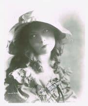 Lillian Gish Autograph Signed Photo