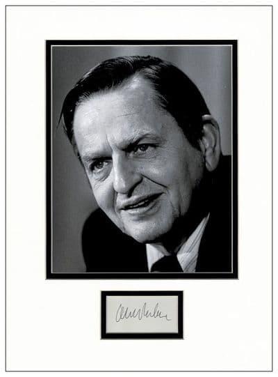 Olof Palme Autograph Display