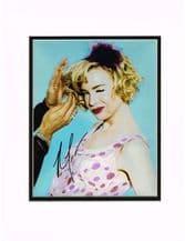 Renee Zellweger Autograph Signed Photo