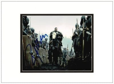 Russell Crowe Signed Photo - Gladiator