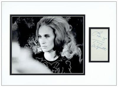 Tammy Wynette Autograph Signed Display