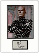 Yul Brynner Autograph Signed Display - The King and I