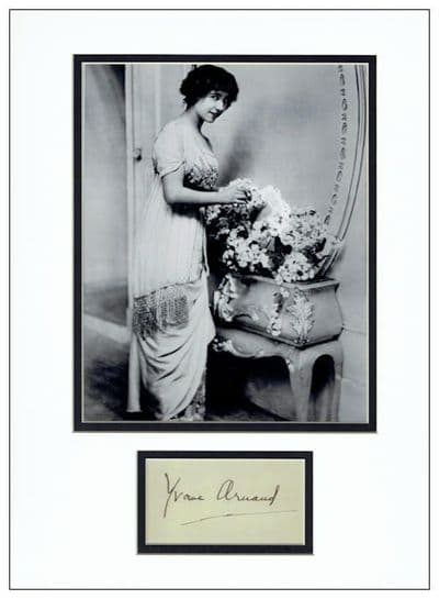 Yvonne Arnaud Autograph Signed Display