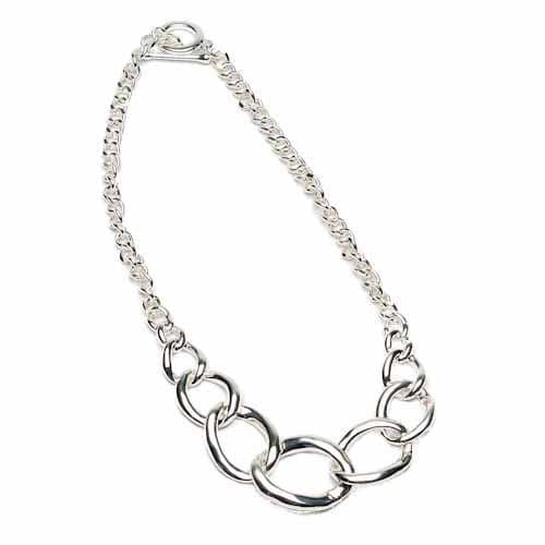 Eliza Gracious Short Looped Chain Necklace in Silver