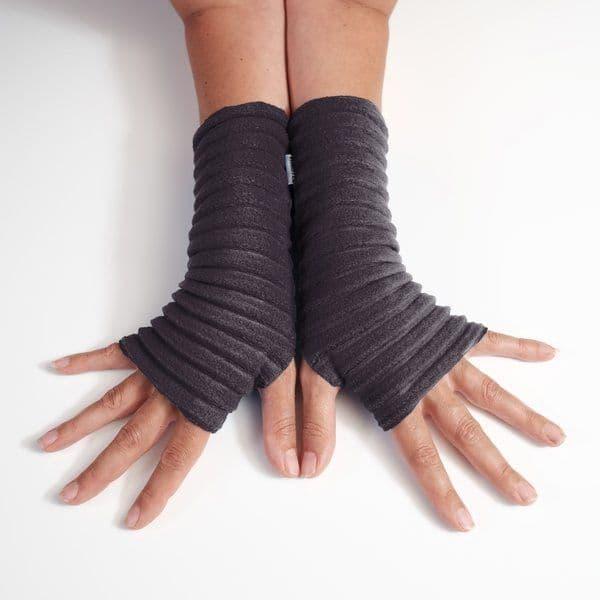 Wristees Wrist Warmers in Black
