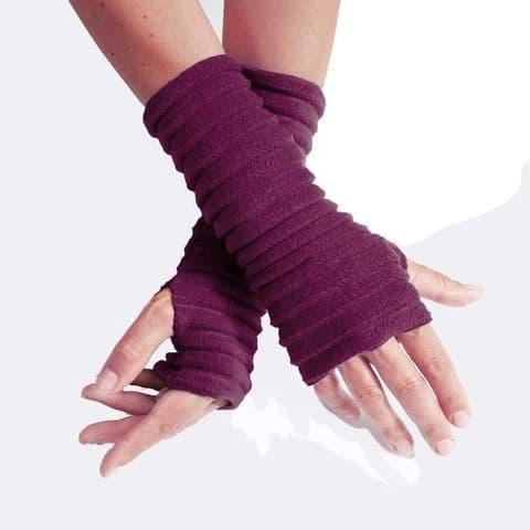 Wristees Super Soft Wrist Warmers in Wine