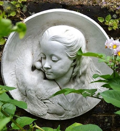 'Simone and Dove' round Wall plaque Girl