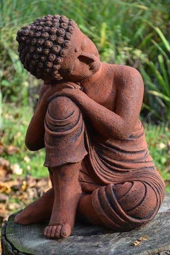 'Thinking Buddha' statue garden ornament