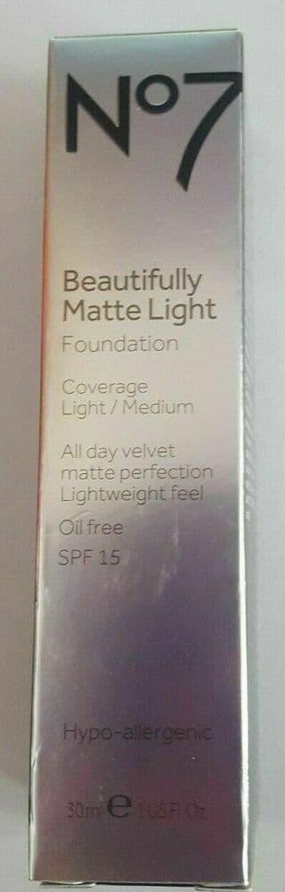 No7 Beautifully Matte light Foundation light/medium cool vanilla Oil Free 30mlbn