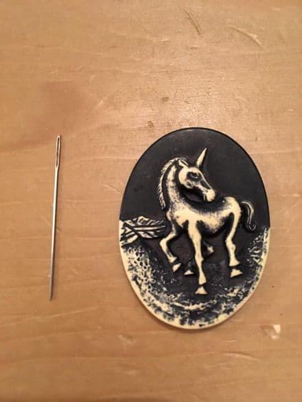 Unicorn Cameo Needle Minder